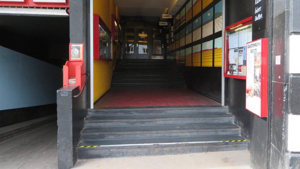180422 Abaton Eingang